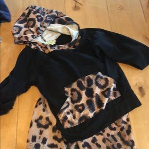 Other - Adorable leopard/black kids outfit